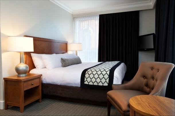 Hotel Rialto Victoria bedroom